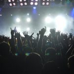 4 Steps to Capture the Craziest Moments at Large Concerts
